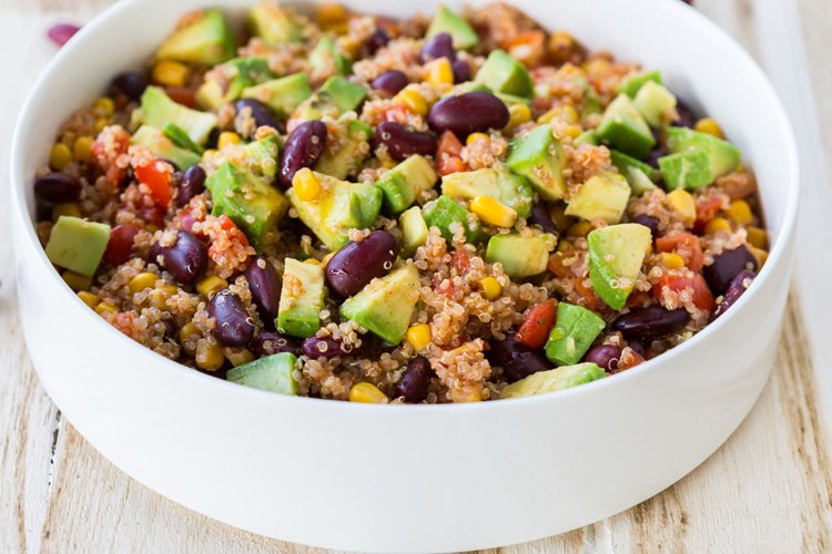 6-Ingredient Mexican-Style Quinoa Salad