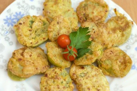 """Oven-Baked """"Fried"""" Green Tomatoes"""
