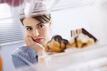 Hunger or Cravings? How to Know the Difference.