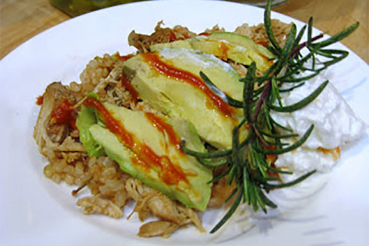 Stay Healthy with Slow Cooker Brown Rice and Chicken