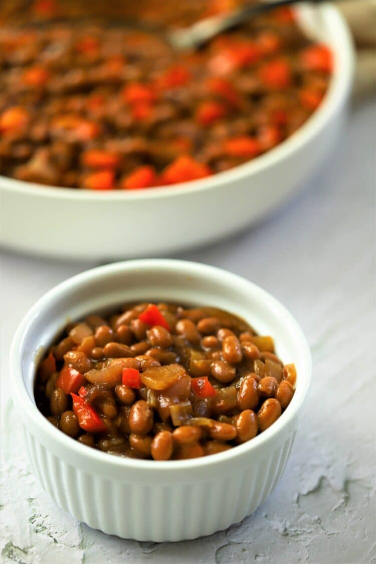 These simple and easy baked beans are super tasty and full of fiber!