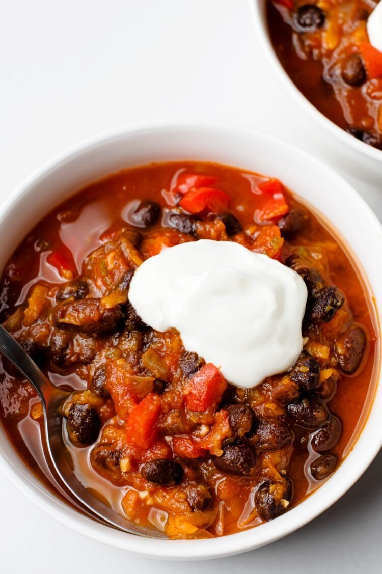 Our slow cooker pumpkin chili is the perfect Autumn Meal!