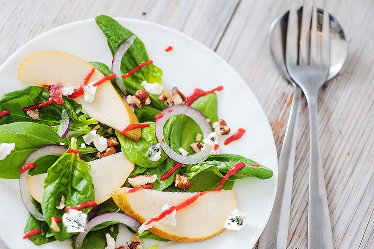 spinach-and-pear-salad-with-raspberry-vinaigrette-recipe
