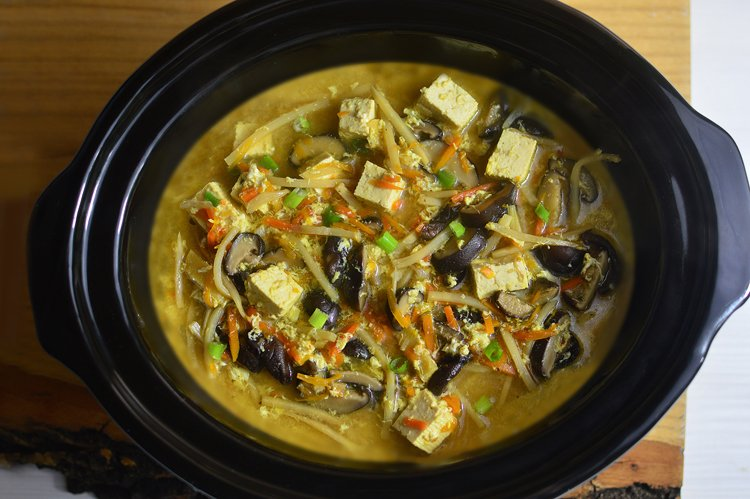 Slow Cooker Hot & Sour Soup