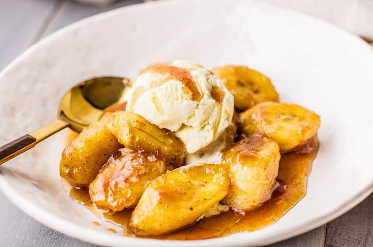 A rich and decadent, slow cooker bananas foster, is exactly what you need at the end of a cold, winter day.