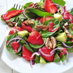 strawberry avocado and spinach salad