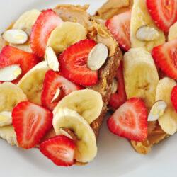 whole grain peanut butter fruit toast