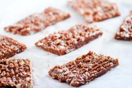 3-Ingredient Peanut Butter Breakfast Bar