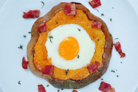 Egg and Bacon Stuffed Acorn Squash
