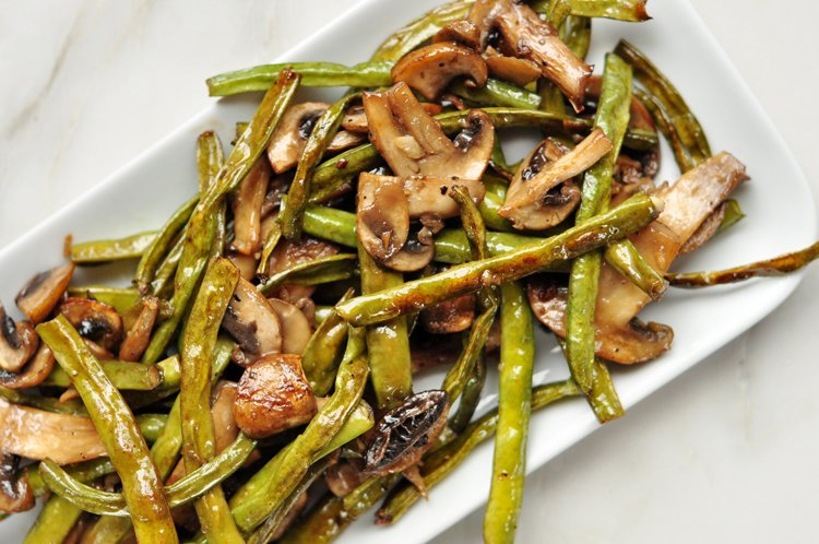 Roasted Green Beans and Mushrooms