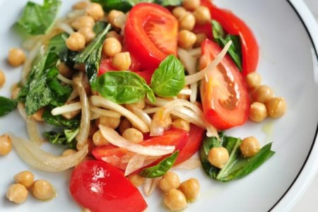 Simple Chickpea Salad with Tomato