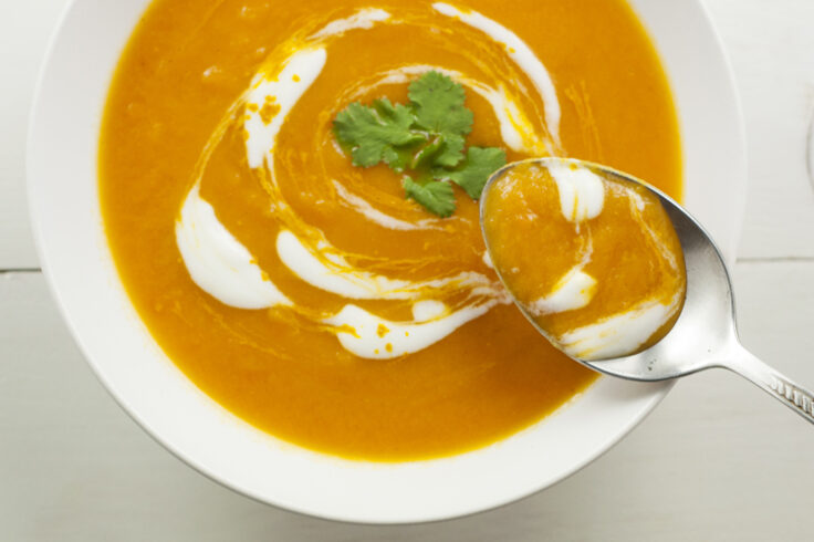 slow cooker carrot and turmeric soup