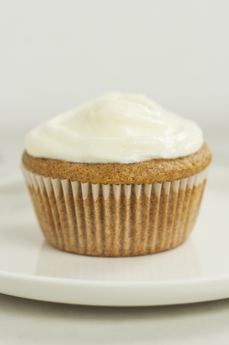 3 ingredient vanilla cupcakes