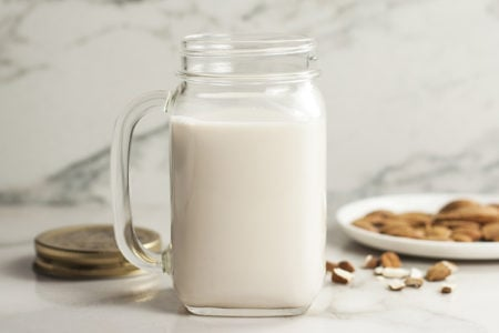 How to Make A Healthy Coffee Creamer