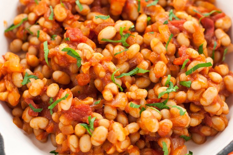 These maple baked beans are super easy to make, and are full of sweet and delicious flavor!