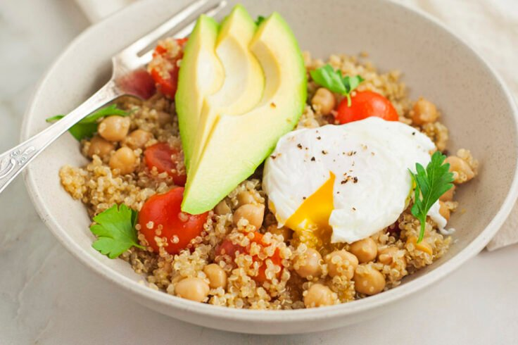 This nutrient-packed quinoa bowl will provide you with hours of energy so that you can take on whatever the day throws at you!