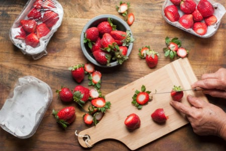 Wondering How to Hull a Strawberry? This is the Easiest Way