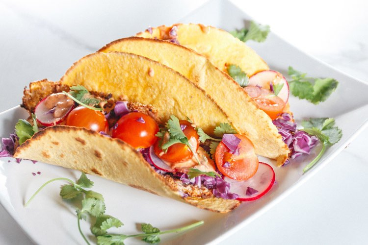 Vegetarians nd meat-eaters alike will love these crispy zucchini tacos!