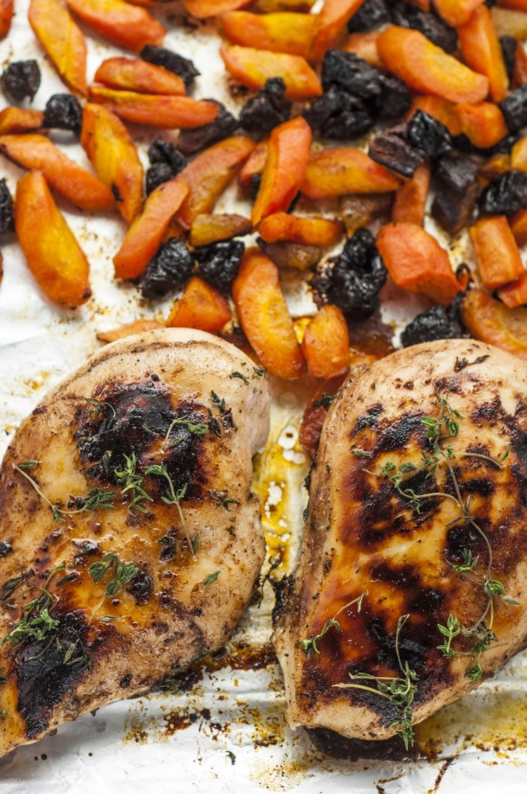 Delicious One-Pan Honey Roasted Chicken and Carrots Recipe