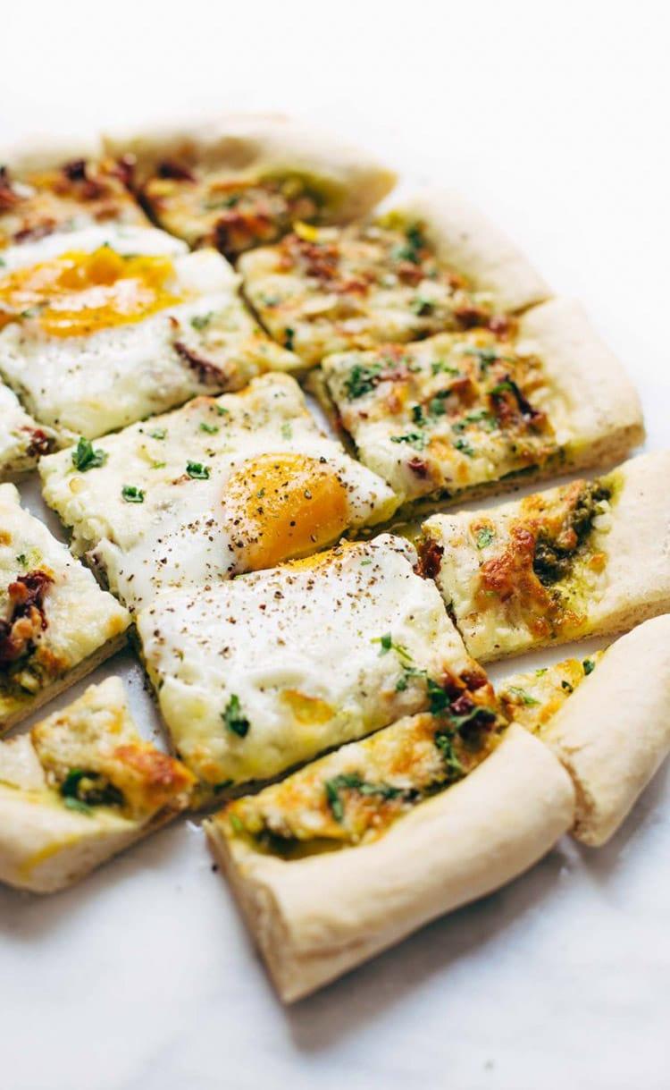 low calorie breakfast pizza