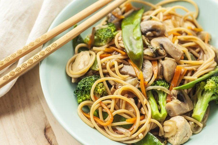 How to Make Slow Cooker Lo Mein