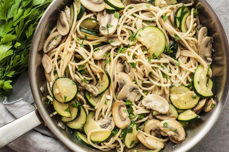 One Pot Zucchini and Mushroom Spaghetti