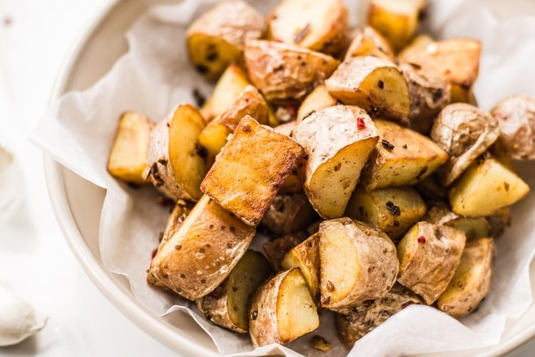 Slow Cooker Garlic Roasted Potatoes