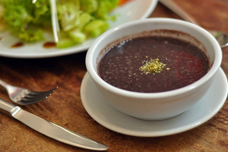 Slow Cooker Tangy Coconut Black Bean Soup