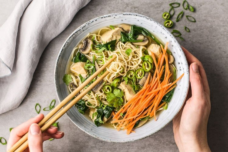 Instant Pot Healthy Chicken and Spinach Ramen Noodle Bowl