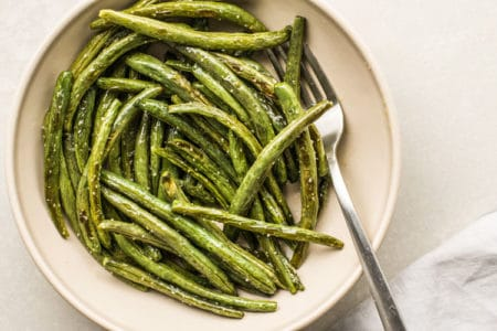 Crispy Broiled Green Beans for Snacking