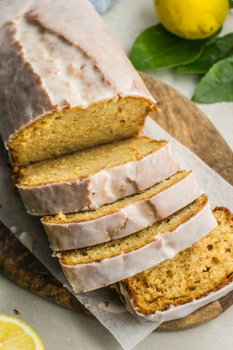 clean lemon yogurt cake