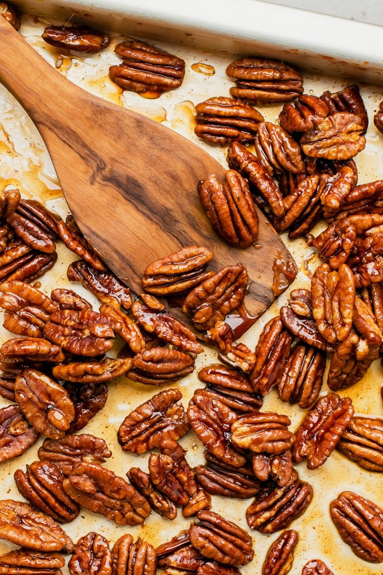 These yummy walnuts contain sweet maple syrup, cayenne pepper, nutmeg, cinnamon and cloves