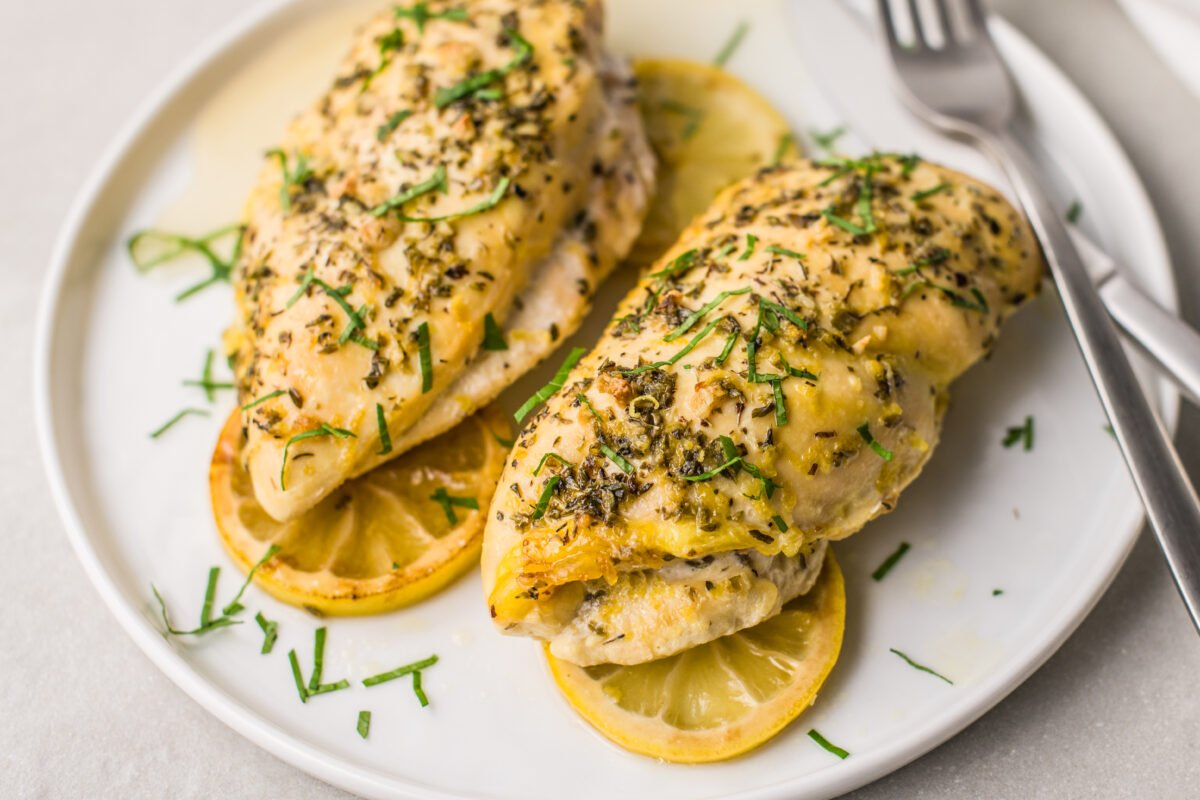 This slow cooker Greek lemon chicken dinner is chock-full of delicious, citrusy flavor!