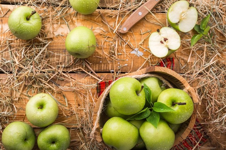 apples are a healthy fall food