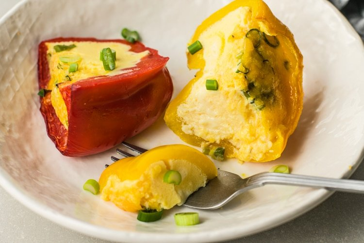 Lose Up to 10 Pounds this Month by Following this Diet Plan egg stuffed peppers