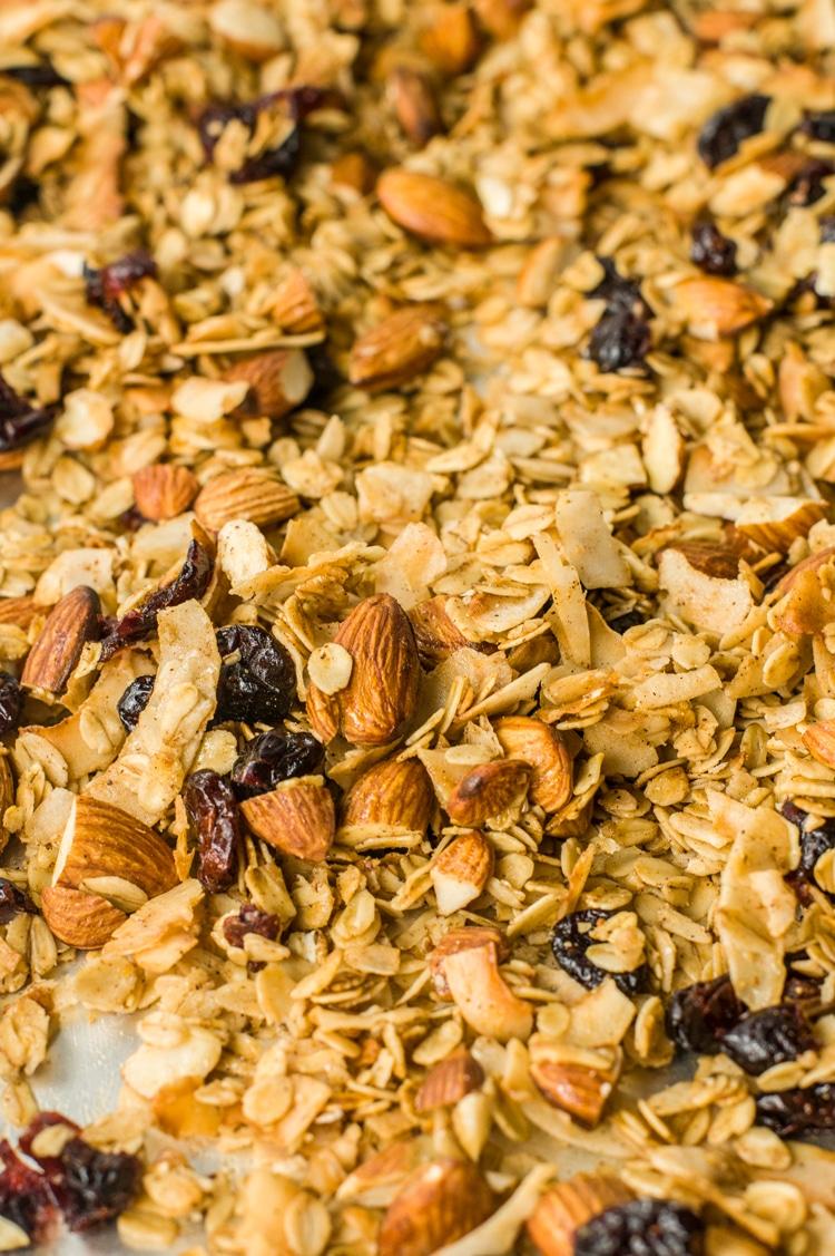 A healthy and crunchy granola recipe!