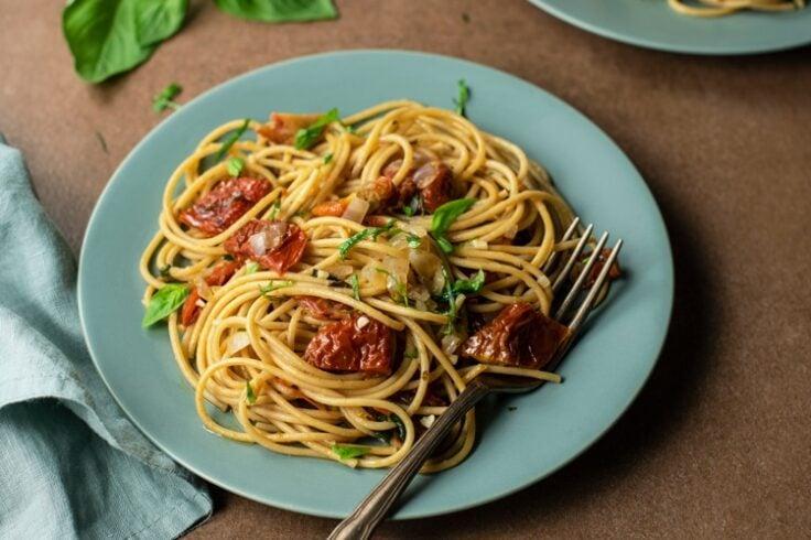 easy sun-dried tomato pasta