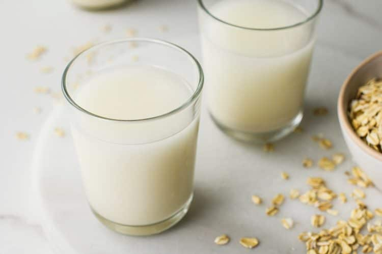 Simple DIY Oat Milk
