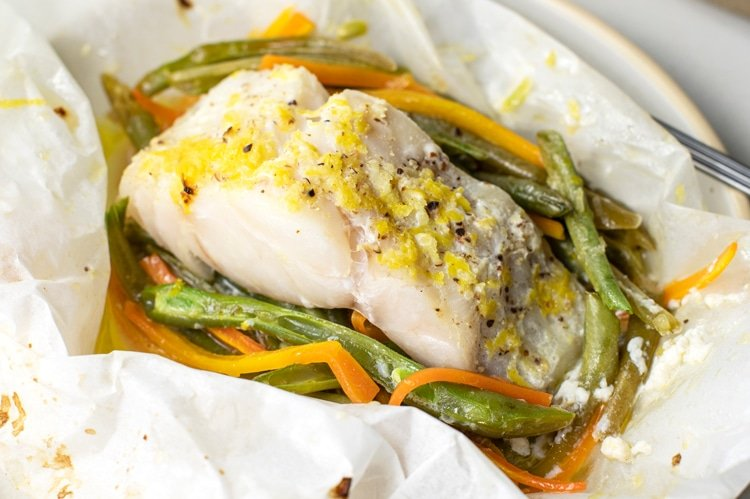 Lose Up to 10 Pounds this Month by Following this Diet Plan white fish and vegetables