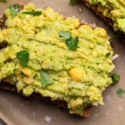 This protein-rich chickpea and avocado toast is an excellent breakfast option for busy mornings!