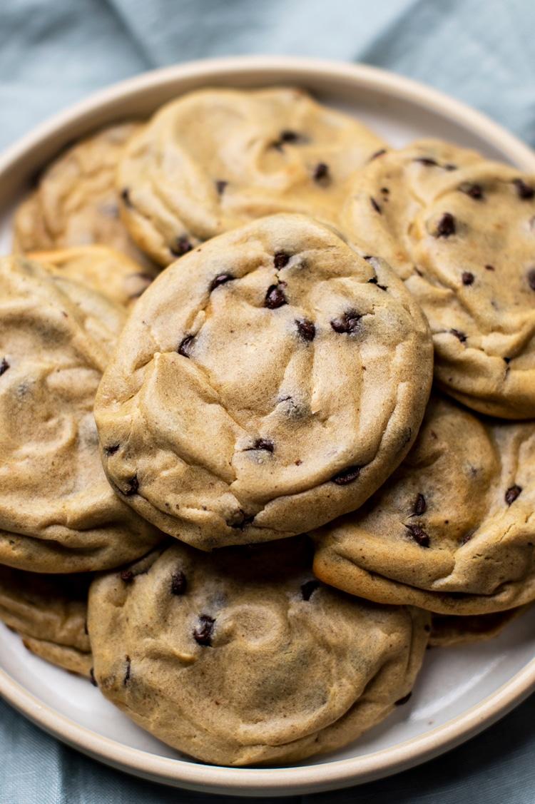 Easy Peanut Butter Banana Cookies