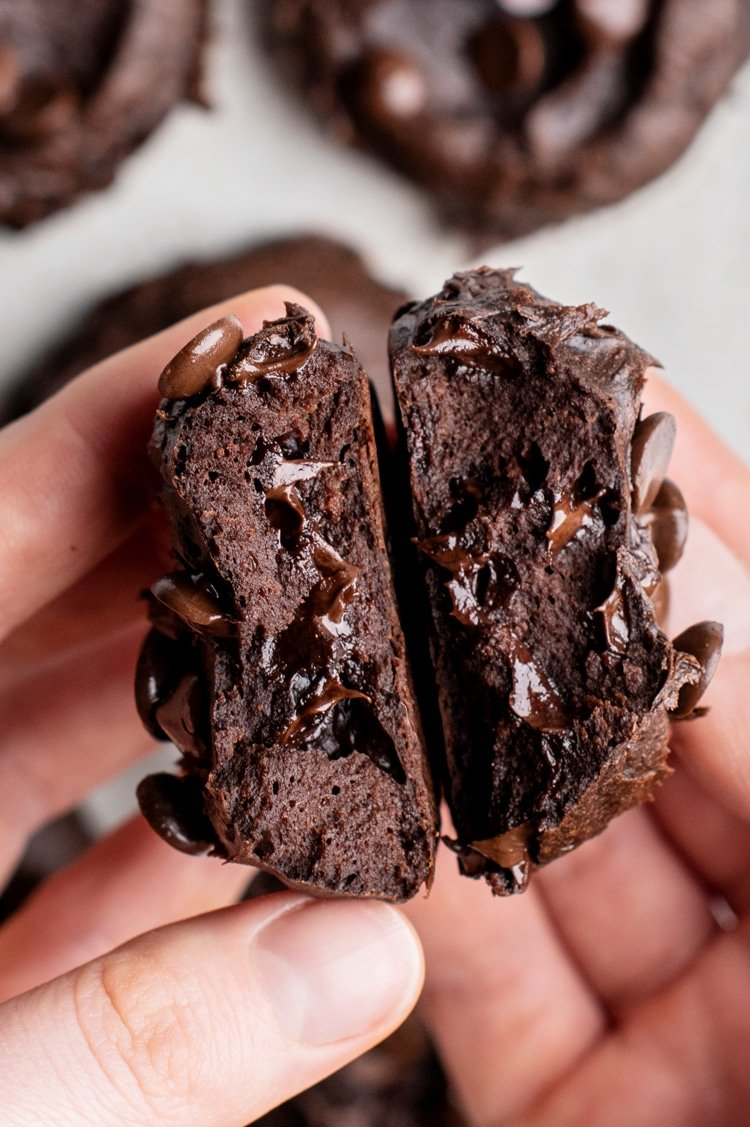 Gluten Free Dark Chocolate Cookies to Satisfy Your Strongest Cravings!