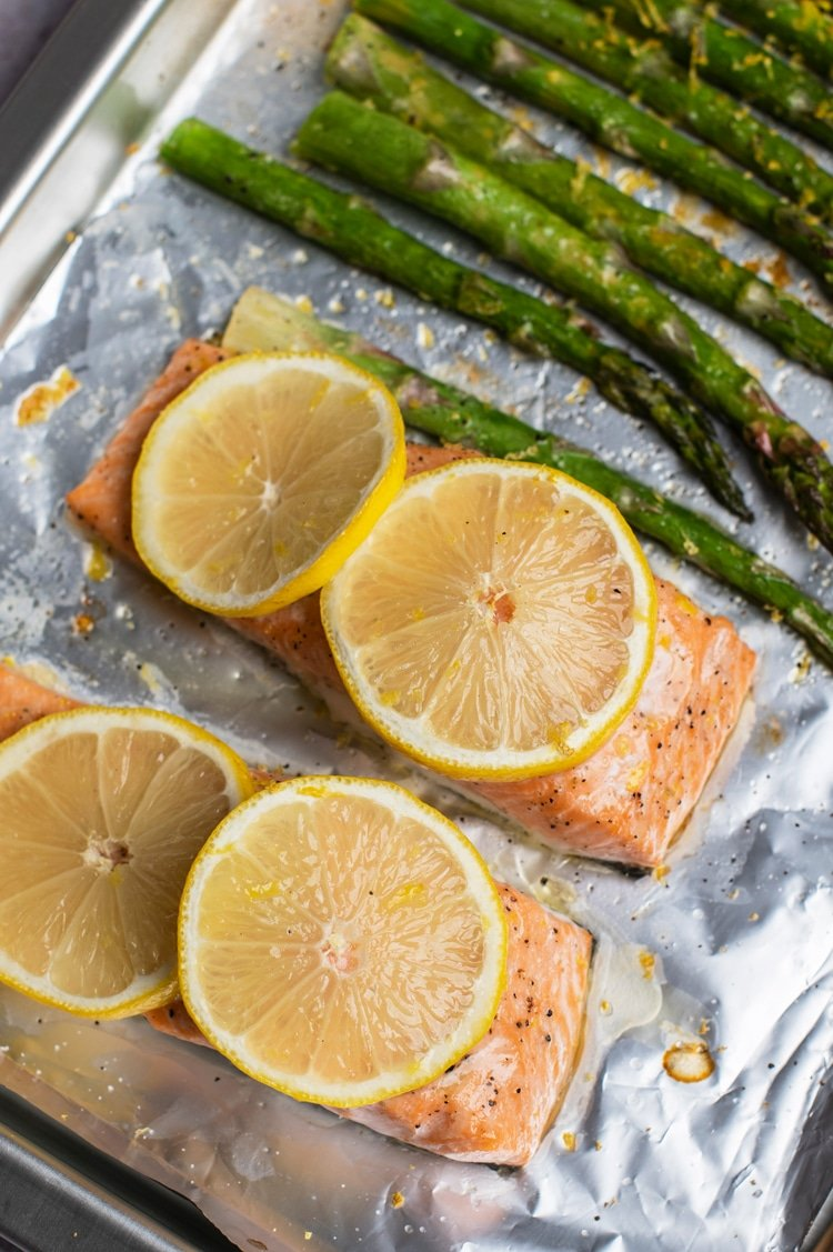 Simple One Pan Lemon Salmon with Roasted Asparagus