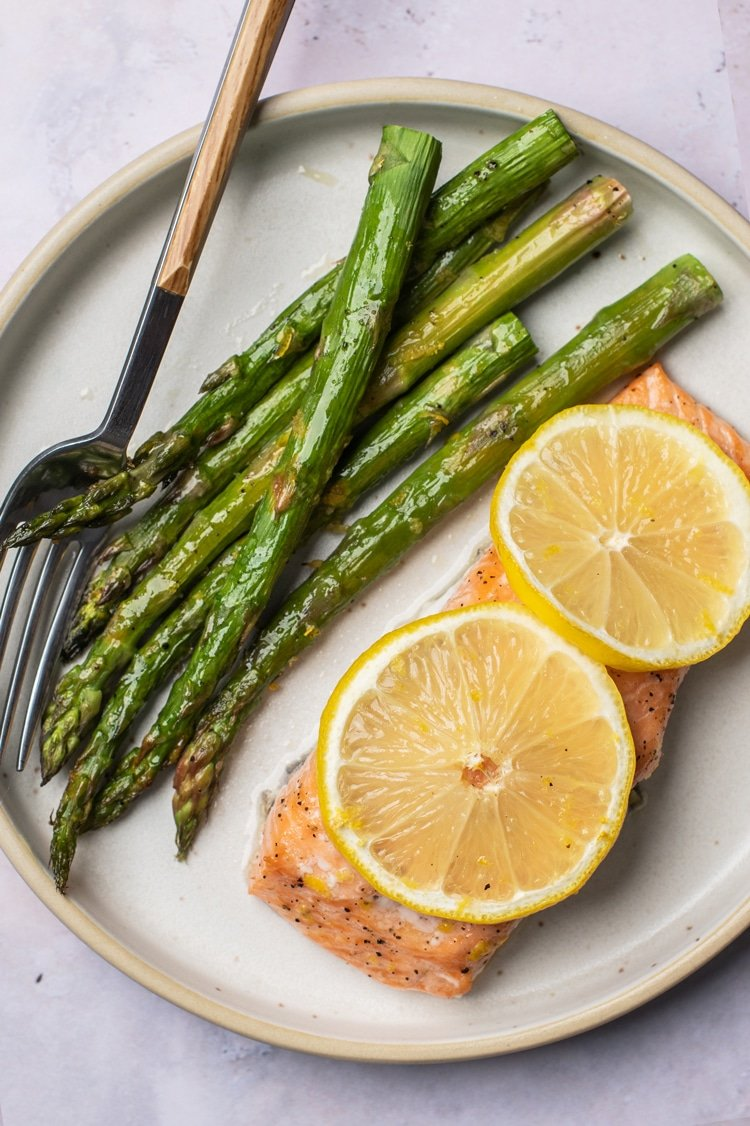 Lemon Salmon with Roasted Asparagus
