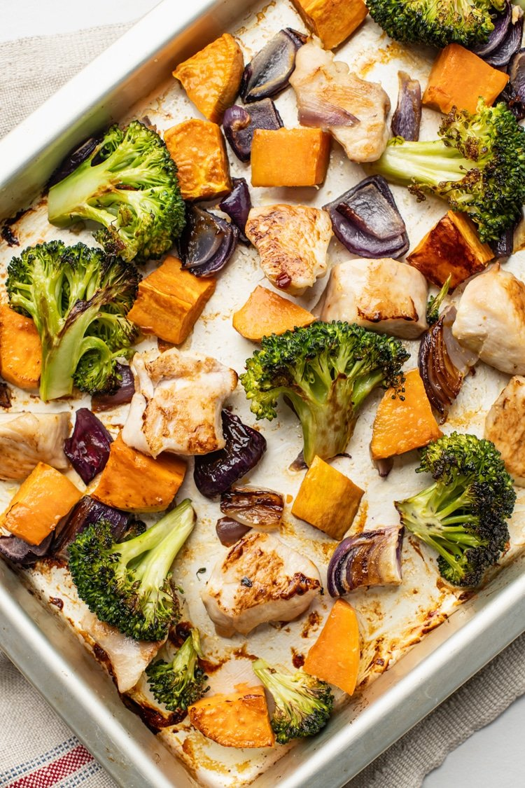 Deliciously Healthy Meals without the Clean-Up are a Must! Add this One Pan Broccoli, Sweet Potato, and Chicken Dinner to Your Rotation