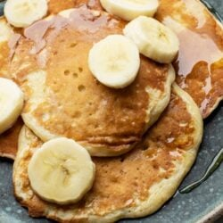 Try our fluffy 3-ingredient pancakes on Sunday morning!