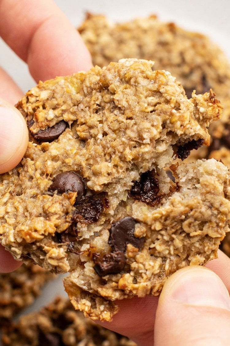 This is the Easiest Oatmeal Cookie Recipe to Make When You're Craving Something Sweet!