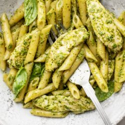 Want a Chicken Pesto Pasta That's Super Filling & Delish?