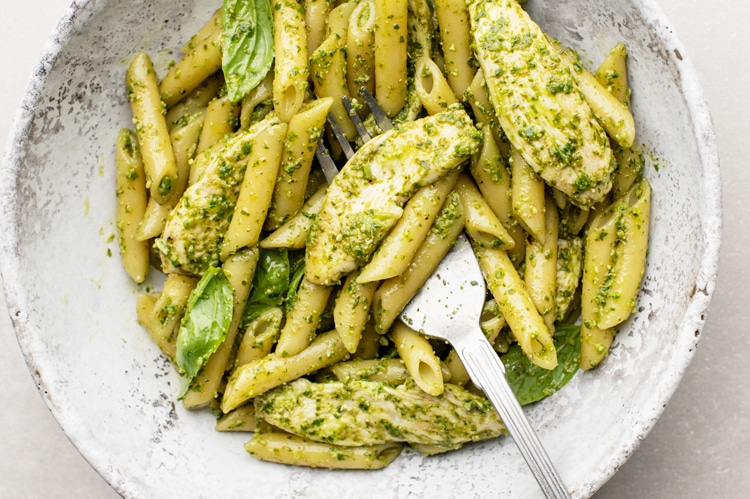 Easy Chicken Pesto Pasta