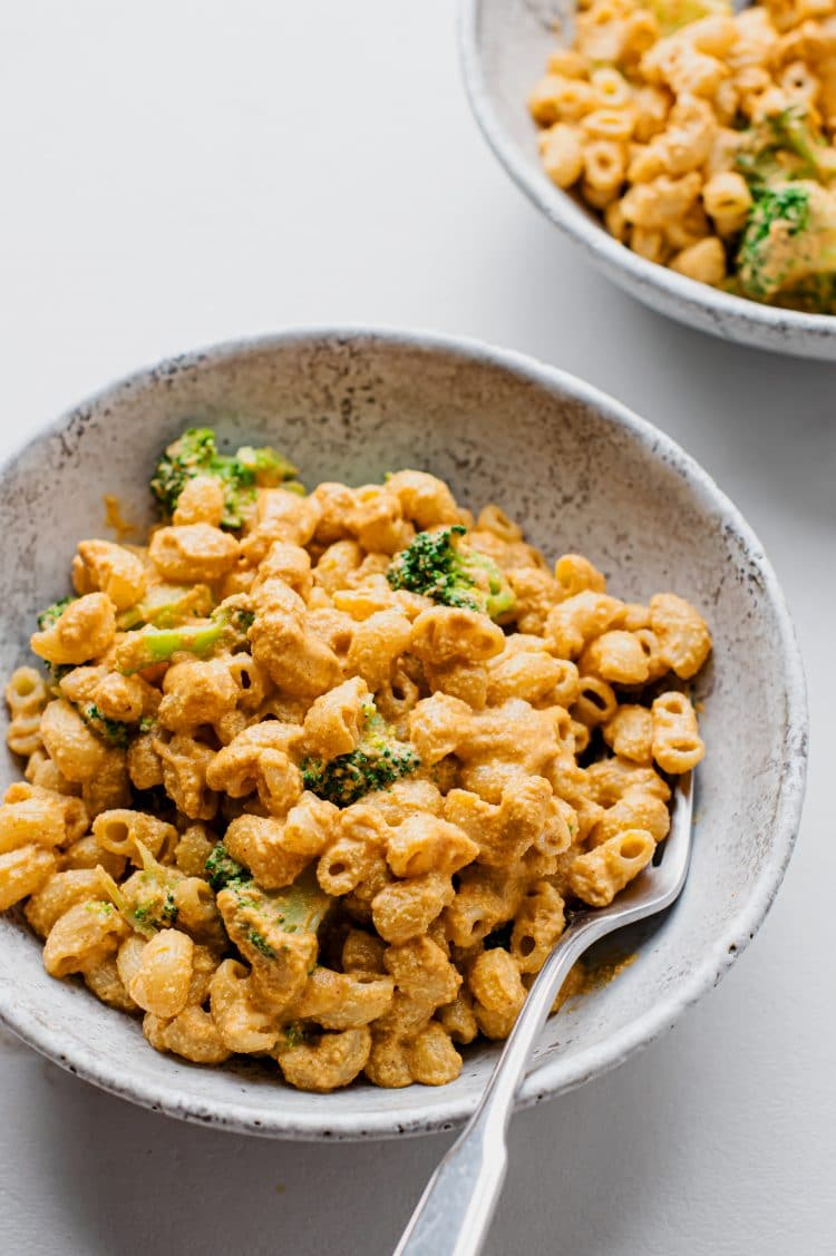 The combination of cashews, the right pasta, and spices, makes this macaroni and cheese recipe one that the entire family will love.